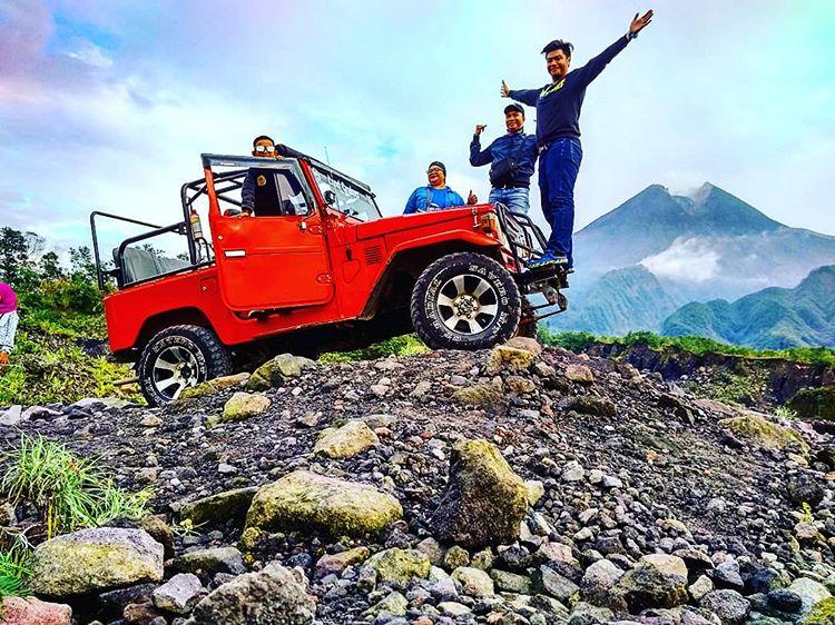 Keseruan wisata lava tour di Jogja, sumber ig arientoyudha