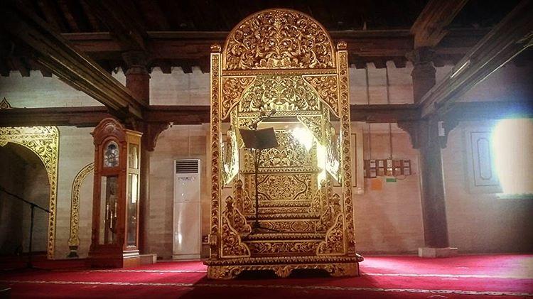 Mimbar masjid Gedhe Kauman, sumber ig yudhiset
