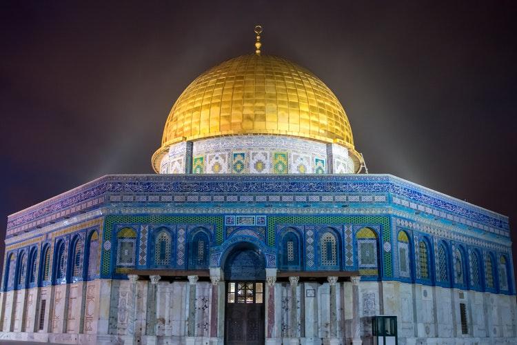 Masjid, tempat yang ramai dikunjungi saat ramadhan, sumber unsplash