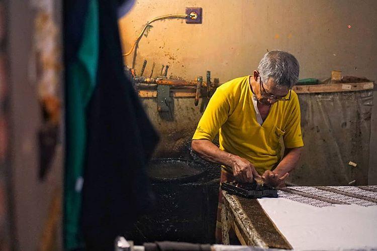 Ilustrasi Pembuatan Batik, sumber ig rusni_yulianto