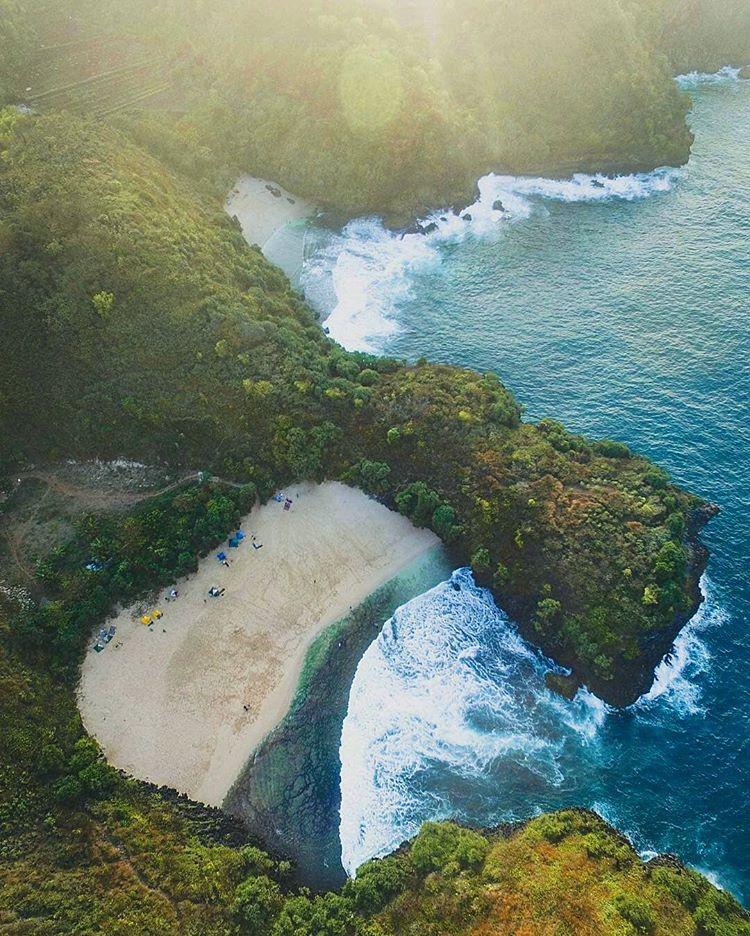 Obyek Wisata Pantai Gunung Kidul Jogjakarta, sumber ig pantai.jogja