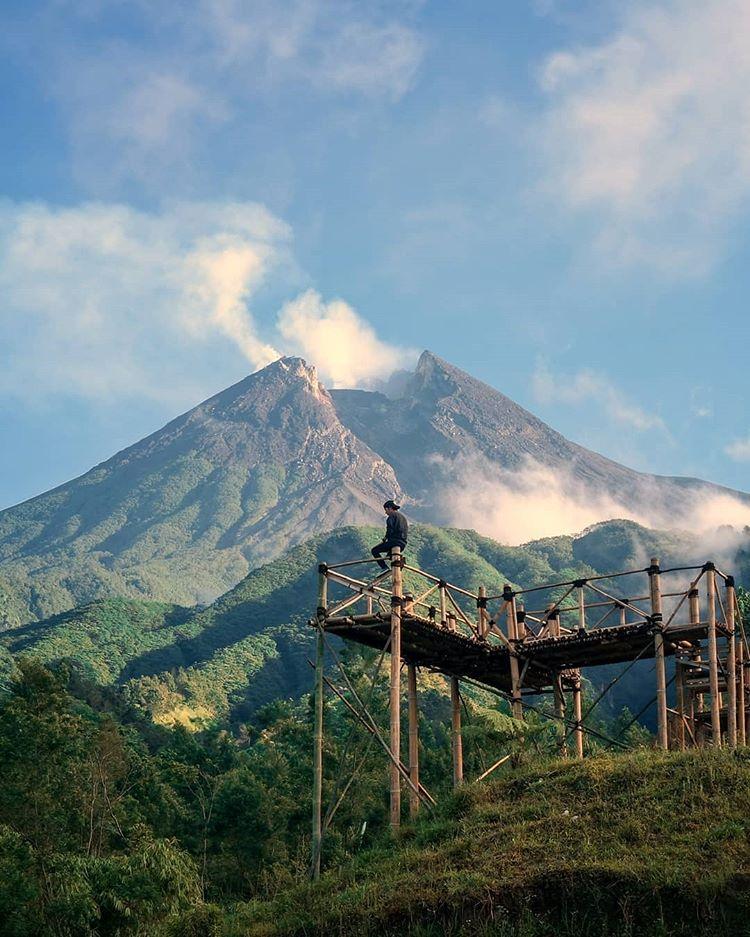 Gardu Pandang Bukit Klangon Merapi, sumber ig wisataalam