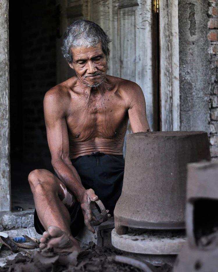 Pengrajin Gerabah Desa Wisata Kasongan, sumber ig bansmarwanto