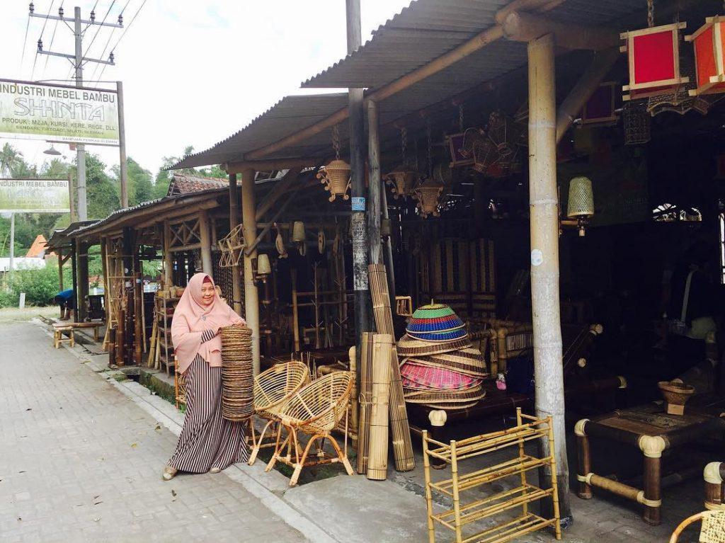 Sentra Kerajinan Bambu Desa Wisata Sendari, sumber medium.com