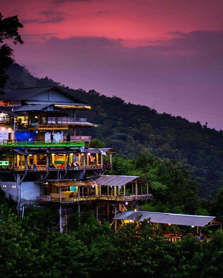 Menikmati Bukit Bintang Yogyakarta Yang Menawan