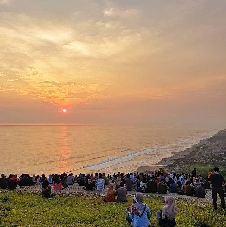 5 Spot Sunset Terkenal Di Jogja Sewa Mobil Jogja 2020