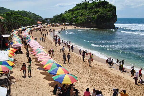 Pantai Indrayanti, sumber : DK Rental Motor