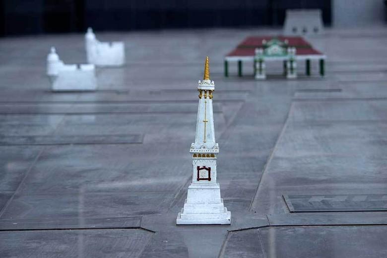 Miniatur Tugu Yogy. sumber : detiktravel.com
